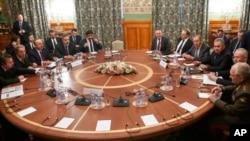 Участники переговоров