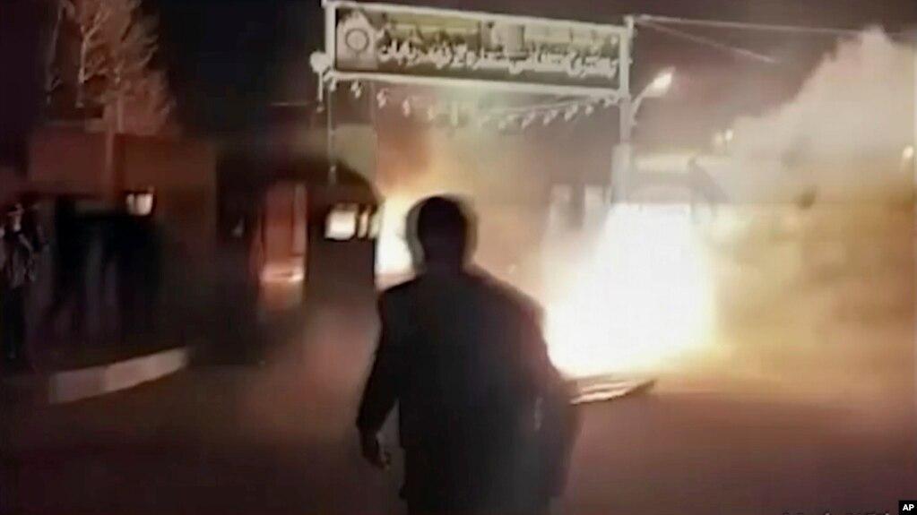 Iran, kush i shkaktoi protestat?