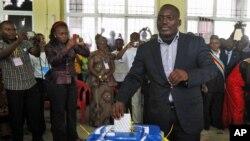Não é segredo em quem votou. O presidente Jospeh Kabila a votar em Kinshasa