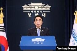 박수현 청와대 대변인이 춘추관에서 브리핑하고 있다. (자료사진)