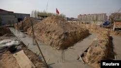 即将成为雄安新区一部分的雄县一处建筑工程被紧急叫停。