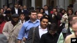 امریکہ میں بعض مسلمان نوجوان شدت پسندی کی جانب کیوں راغب؟