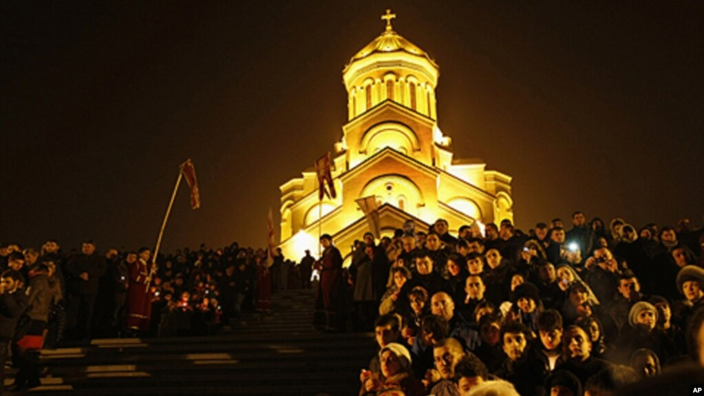 orthodox christians celebrate christmas - When Is Orthodox Christmas