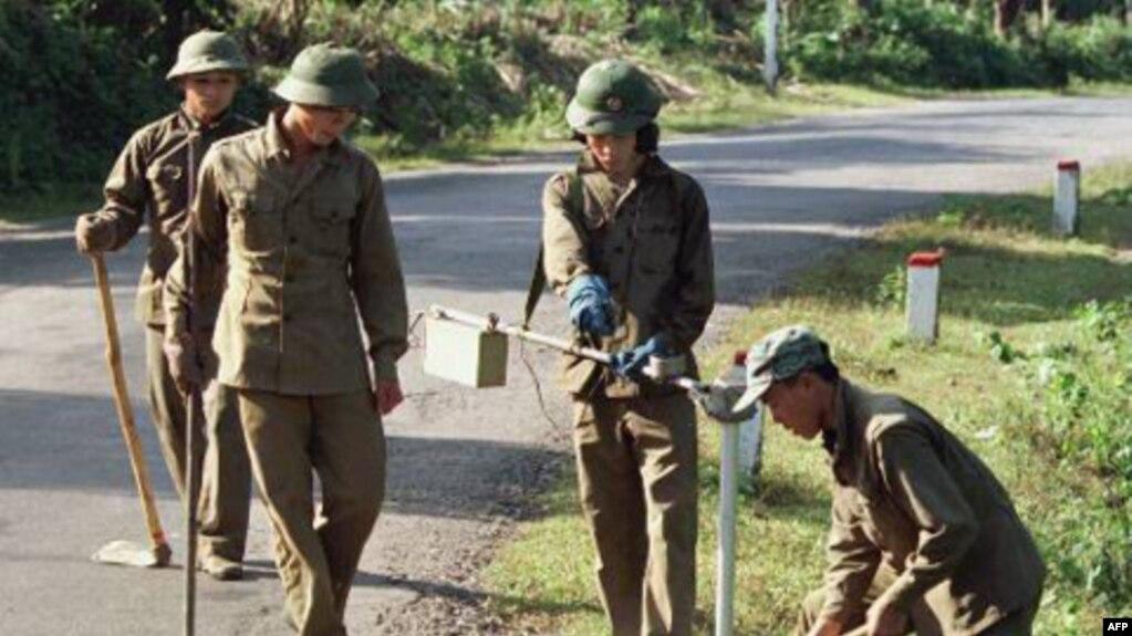 Việt Nam cần nửa tỷ đôla để tháo dỡ bom mìn sau chiến tranh