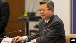 Замминистра иностранных дел КНР Чжэн Цзэгуан