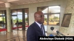 Remis Dandjinou, porte-parole du gouvernement, Ouagadougou, Burkina, 14 septembre 2018. (VOA/ Abdoulaye Diabaté)