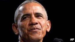 El ex presidente de EE.UU.,Barack Obama, era uno de los blancos de una mujer de Texas acusada de enviar explosivos por correo.