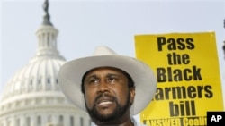 John W. Boyd, Jr., founder and President of the National Black Farmers Association, speaks at a news conference on Capitol Hill in Washington, 23 Sep 2010 (file photo)