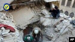 در جنگ هفت سالۀ سوریه، اکثر شهر های این کشور تخریب شده و صد ها هزار غیر نظامی کشته و زخمی شده است