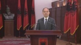 Presidenti Nishani kërkoi rrëzimin e ligjit të pronave si antikushtetues