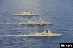 Các tàu hải quân của Mỹ, Nhật và Úc tuần tra ở Biển Đông hôm 19/10/2020