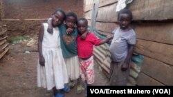 Des enfants à Bukavu, Sud-Kivu, 27 mai 2018. (VOA/Ernest Muhero)