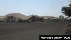 Extracção de carvão em Moatize