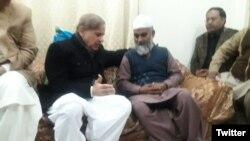 وزیرِ اعلیٰ پنجاب نے جمعرات کی صبح بچی کے والد سے ملاقات کی