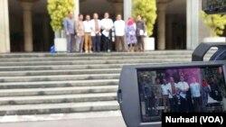 Pembacaan pernyataan akademisi kehutanan meminta pengesahan RUU Pertanahan ditunda. (Foto:VOA/ Nurhadi)