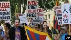 温家宝访问欧洲受到人权活动人士的抗议