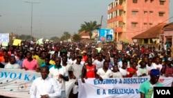 Guiné-Bissau: Manifestantes exigem fim da crise