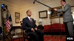 Obama invitó al profesor universitario y al sargento de la policia a compartir una cerveza con él en la Casa Blanca.