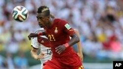 Pemain Ghana, John Boye, dalam pertandingan melawan Jerman di Fortaleza, Brazil (21/6). (AP/Martin Mejia)