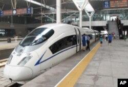 京津高速列车 象征中国经济高速发展