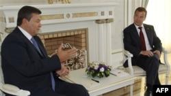 Украинский и российский президенты, апрель 2011 года