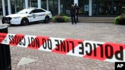 Policija na mestu ubistva u Džeksonvilu