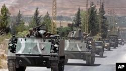 Militer Lebanon tiba di kota perbatasan Arsal, Senin, 4 Agustus 2014.