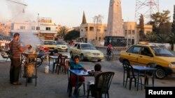 """""""Islomiy davlat"""" o'z poytaxti deb e'lon qilgan Raqqa shahri, 2014-yil"""
