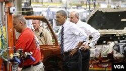 Barack Obama recordó que un año antes de su presidencia la industria automotriz había perdido más de 400.000 empleos.