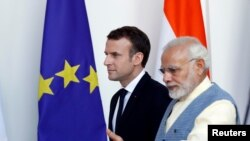 ့့ျပင္သစ္သမၼတ Emmanuel Macron ကိုအိႏၵိယ၀န္ႀကီးခ်ဳပ္ Narendra Modi ႀကိဳဆို။ မတ္ ၁၀၊ ၂၀၁၈။