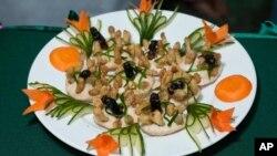 مسابقه آشپزی با حشرات، لائوس
