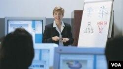 El curso busca enriquecer las estrategias de enseñanza incorporando actividades tecnológicas en los currículos.