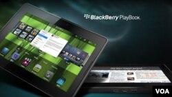 De tamaño menor que el iPad, la BlackBerry PlayBook también pesa menos. Su sistema operativo ha sido creado desde cero para el tablet.