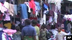 Tại trung tâm thủ đô Nairobi, một số người bán quần áo định quay sang Thổ Nhĩ Kỳ và các nơi khác để mua hàng dệt may