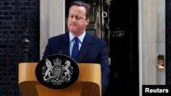 El primer ministro británcio, David Cameron, renunciará en octubre, tras el resultado del referéndum a favor de que Gran Bretaña salga de la UE.