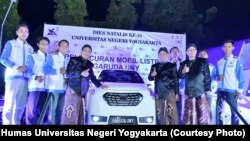 Peluncuran mobil listrik Garuda UNY oleh Menteri Riset, Teknologi dan Pendidikan Tinggi Mohammad Nasir, Jumat, 21 Juni 2019. (Foto: Humas Universitas Negeri Yogyakarta)