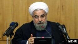 حسن روحانی رئیس جمهوری ایران در نشست هیات دولت در تهران - ۵ اسفند ۱۳۹۴