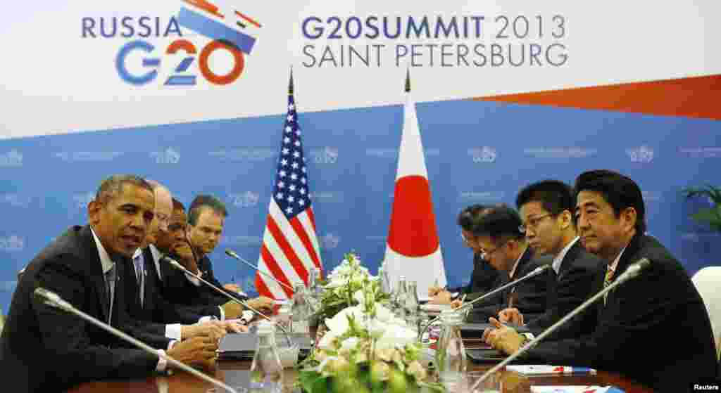 Le président américain Barack Obama rencontre le Premier ministre japonais Shinzo Abe au sommet du G20 à Saint-Pétersbourg, le 5 septembre 2013.