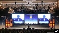 ປະທານາທິບໍດີອິນໂດເນເຊຍ ທ່ານ Susilo Bambang Yudhoyono ກ່າວຄຳປາໄສ ເປີດກອງປະຊຸມສຸດຍອດ ຄັ້ງທີ 18 ຂອງສະມາຄົມອາຊ່ຽນ ທີ່ນະຄອນຫຼວງຈາກາຕ້າ (7 ພຶດສະພາ 2011)