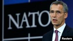 Sekjen NATO Jens Stoltenberg berbicara pada pertemuan NATO di Brussels, Belgia (foto: dok).