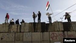Le projet de référendum de Mohamed Morsi, toujours vivement contesté en Egypte