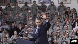 Tổng thống Obama phát biểu với các binh sĩ Hoa Kỳ tại căn cứ quân sự ở Seoul, Hàn Quốc, 11/11/2010