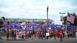 Mỗi cuối tuần, các ủng hộ viên của ông Trump đều đem cờ xí ra tuần hành kêu gọi ủng hộ ông trước khu Thương xá Phước Lộc Thọ