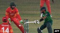 پاکستان نے چار وکٹوں کے نقصان پر مطلوبہ ہدف حاصل کر لیا۔