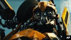 Transformers ภาค 3 สงครามหุ่นเหล็กต่างพิภพยังตรึงอันดับหนึ่งแต่รายได้ร่วงกราวเหลือ 47 ล้านดอลล่าร์