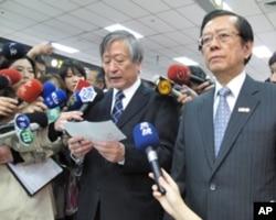 日本驻台代表今井正(左)致词
