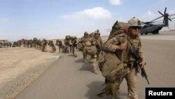 د امریکا دفاع وزارت وايي، په پسرلي کې د امریکا د ځانګړو ځواکونو د روزنې د ماموریت لومړۍ سل کسیزه ډله افغانستان ته لاړه شي