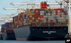 China y EE.UU. continúan estancados en disputa comercial.