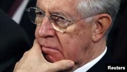 İstifa eden Başbakan Mario Monti