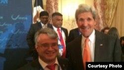 Андрій Мохник з держсекретарем Джоном Керрі у Вашингтоні